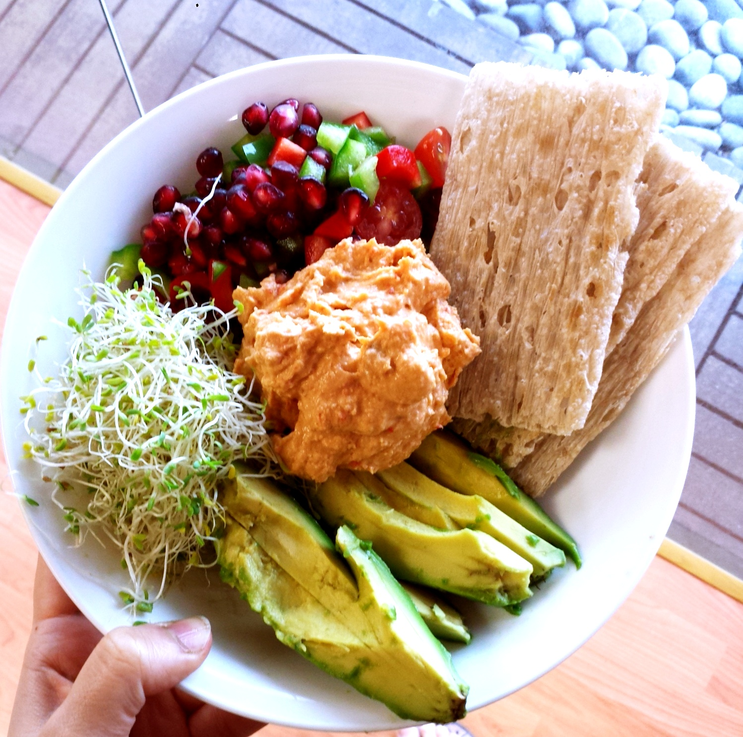 2 Hummus Recipes – Roasted Red Pepper And Beetroot